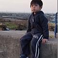 """2012.12.29-坐在河堤旁,看似寧靜,其實只是攝影當下半分鐘的靜態><"""""""