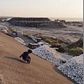2012.12.29-在河堤上跑跳,是媽咪小時候的朝思暮想...