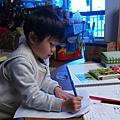 2013.01.01-一年開始第一天,一早就起來練習寫字...瞧我是不是很棒呢?