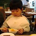 """2013.01.01-好在有圍餐巾...@@"""""""