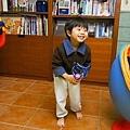 2013.01.04-跟爸比玩接球遊戲