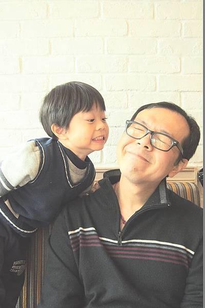 2013.01.05-「爸比是我要親你,你有需要到這麼緊張嗎?!」