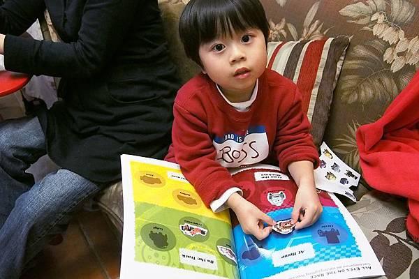 2013.01.15-最愛貼我的麥坤貼紙了...