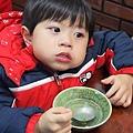 2013.02.12-這天晚上到新竹廟口吃晚餐,但因為真的太累了....所以鬧情緒被媽媽狠狠斥責一番(哭哭過的臉~)