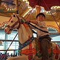 2013.02.14-已經長大到可以自己一個人騎一匹馬了...