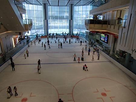 香港Union Square摩天大樓滑冰場1