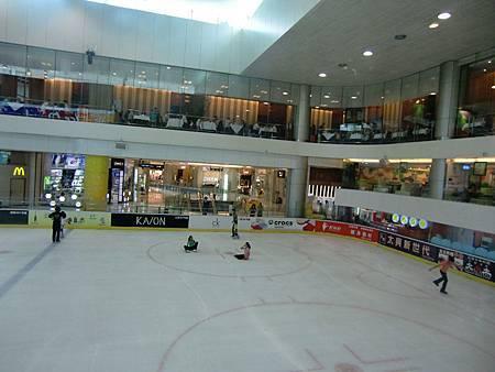 深圳海岸城滑冰場