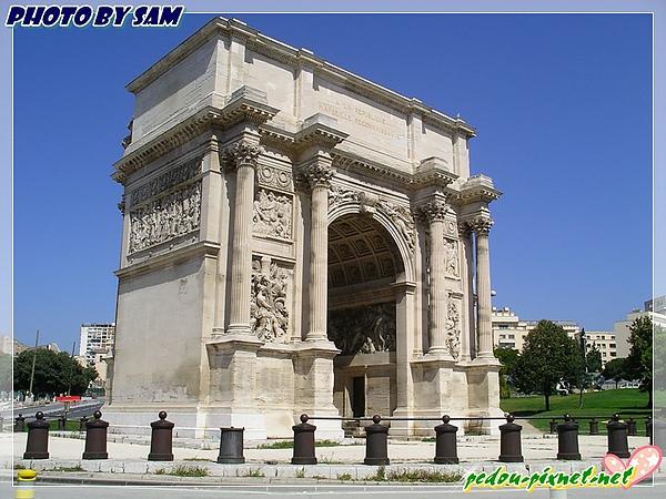 小凱旋門(L'Arc de Triomphe du Carrousel)