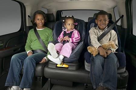 後座繫安全帶.jpg
