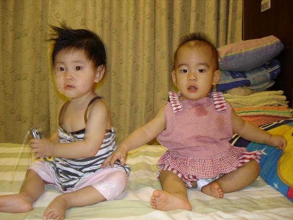 當個兩姐妹吧!