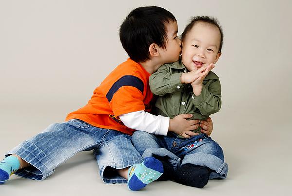 來個吻吧(1y18d)(3y4m22d)(2010.02.27)