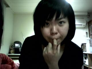 白光系列。總以為咬手指很cute
