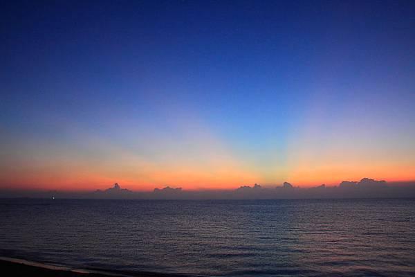 黎明前的署光1.JPG