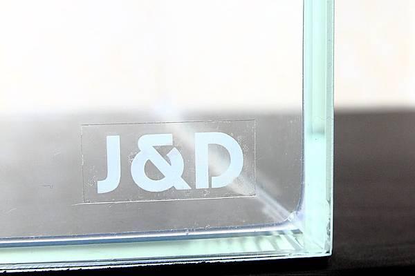 白玻璃缸.JPG