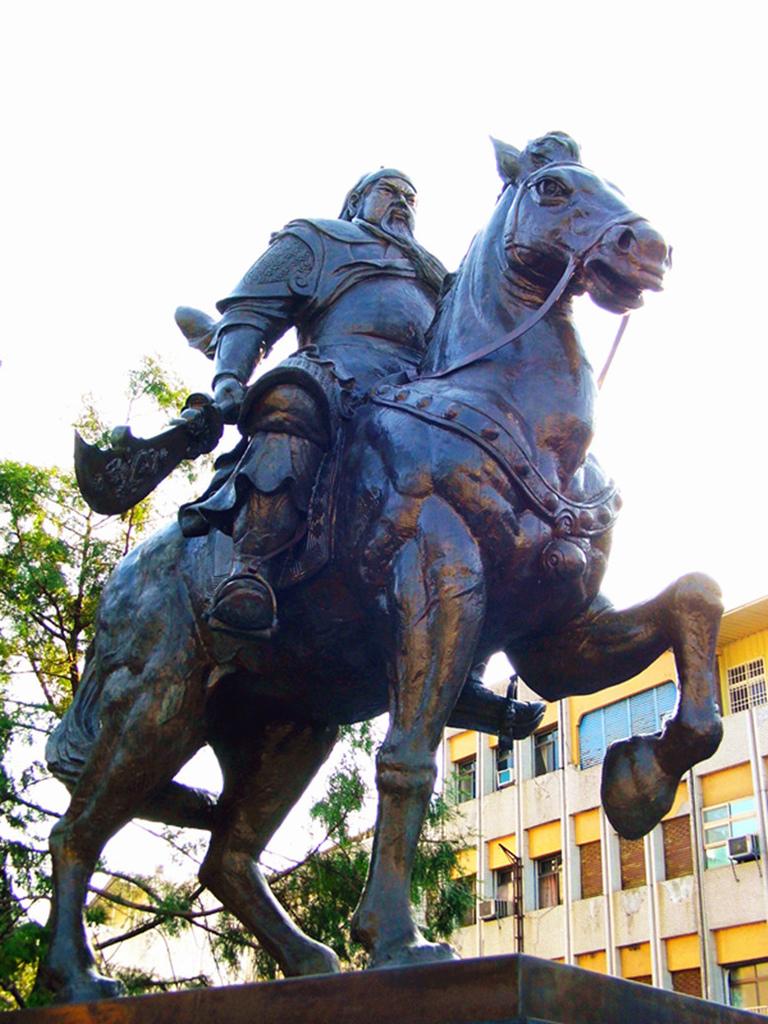 Statue of Kuan Kung_1.jpg
