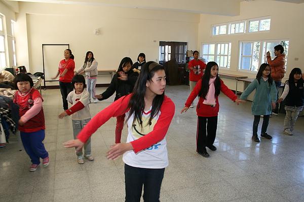 泰雅舞蹈教學 025.jpg