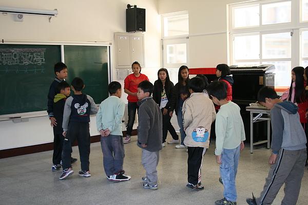 泰雅舞蹈教學 008.jpg