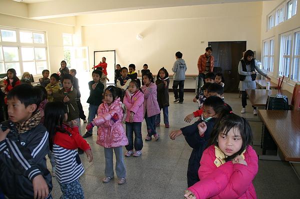 泰雅舞蹈教學 003.jpg