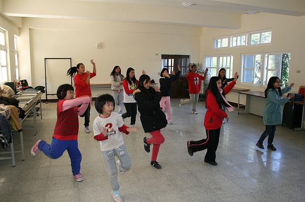 泰雅舞蹈教學 024.jpg