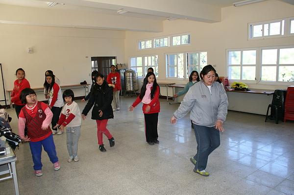 泰雅舞蹈教學 017.jpg