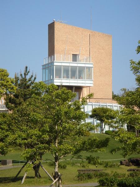 遠看綠茶博物館