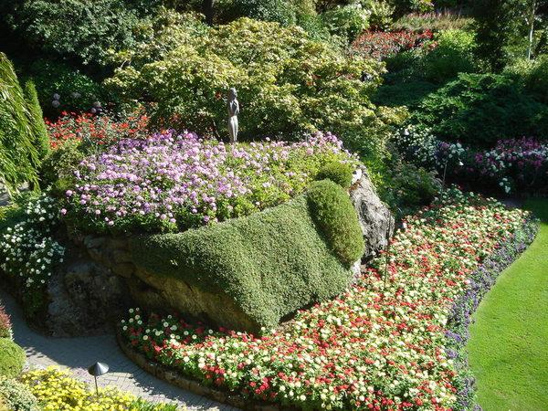 花園中的女神像