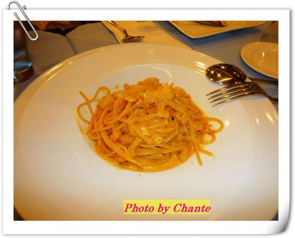 奢侈配料的義大利麵
