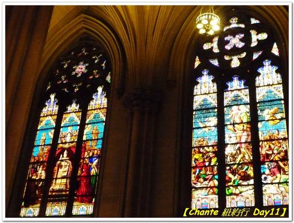 色彩鮮豔的教堂玻璃彩繪.jpg