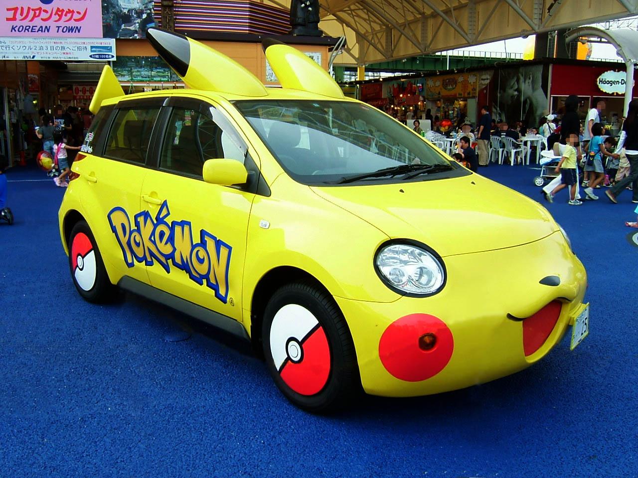 TOYOTA_ist_Pikachu_Car.jpg