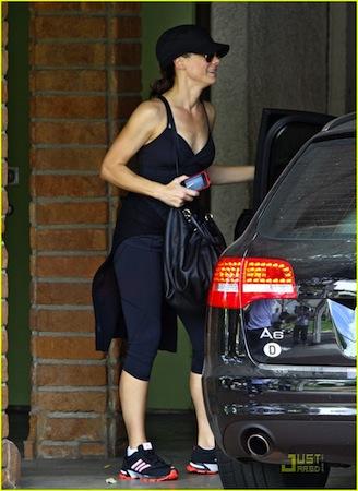 Sandra-Bullock-Audi-A6.jpg