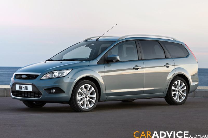 ford-focus-wagon-08