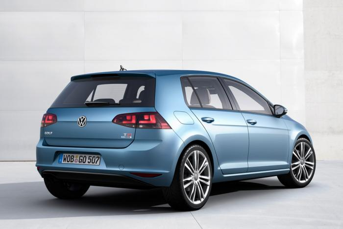 vw-golf-mk7-rear-static-blue