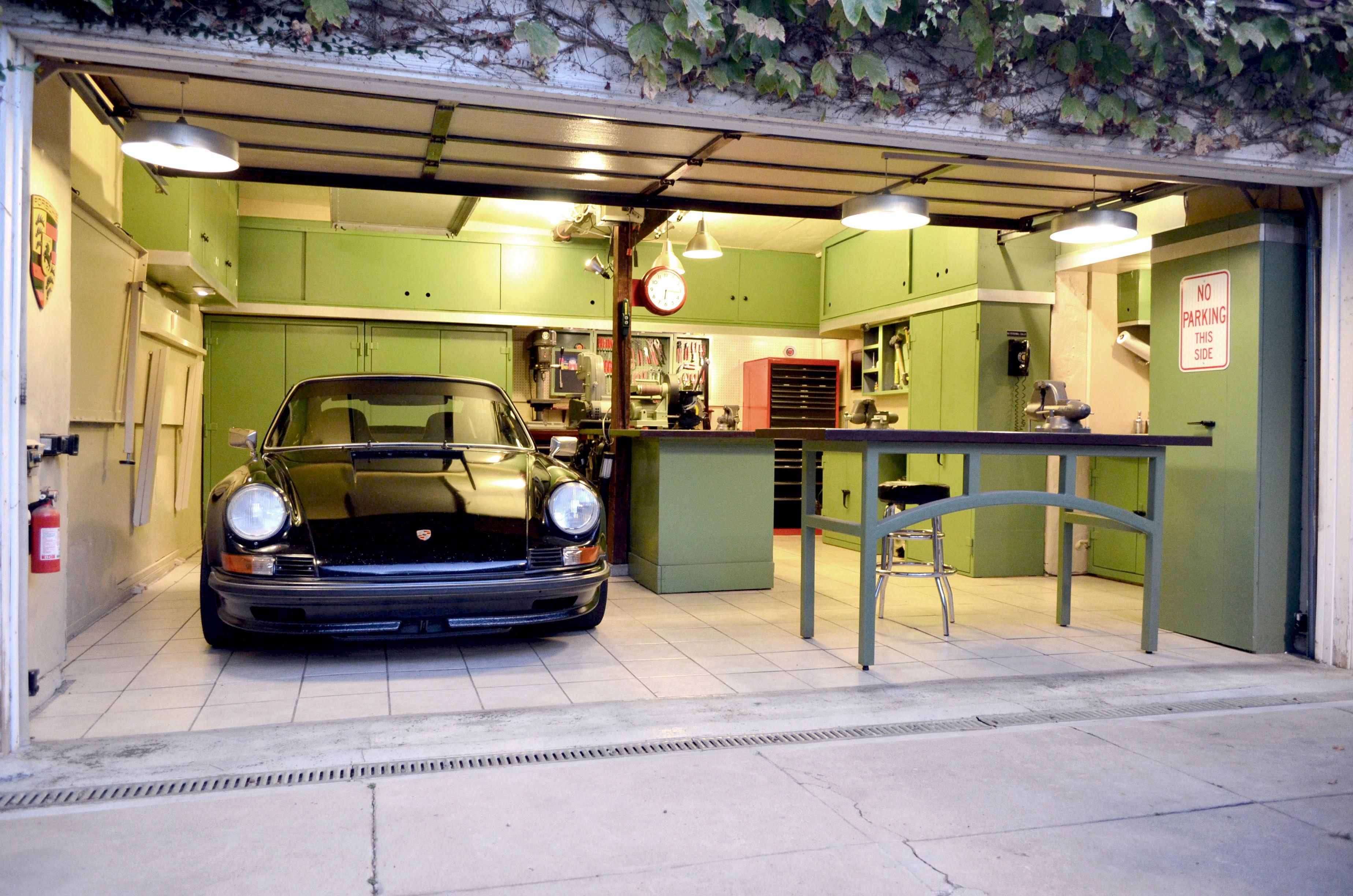 dream garage life. Black Bedroom Furniture Sets. Home Design Ideas