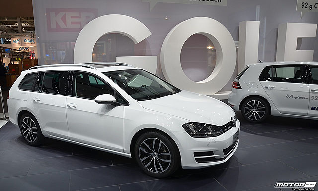VW_Golf_Variant_at_Hannover_Messe_(8713345559)