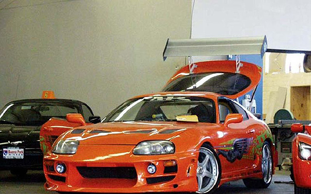 0211it_09zoom+toyota_supra+front_drivers_side_view_trunk_open