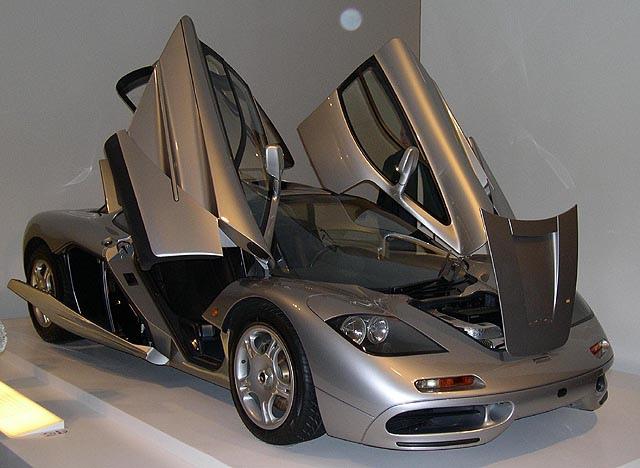1996_McLaren_F1_open