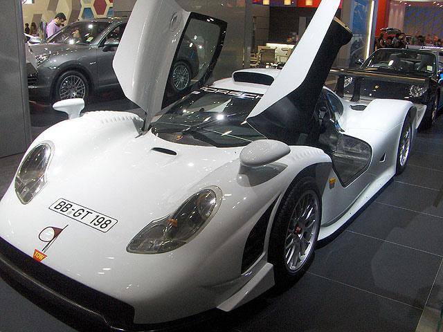 Porsche_911_gt1_-_AIMS