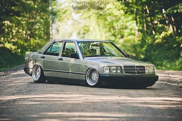 Mercedes-190-Tuning-W201-1