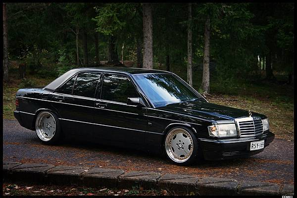 Mercedes-190-Tuning-W201-8
