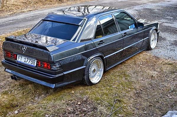 Mercedes_190e_w201_bbs_rims_2