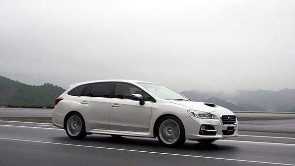 2015-Subaru-Levorg-1