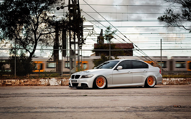 car-wheels-tuning-bmw-e90-320d-hd-wallpaper-2560x1600