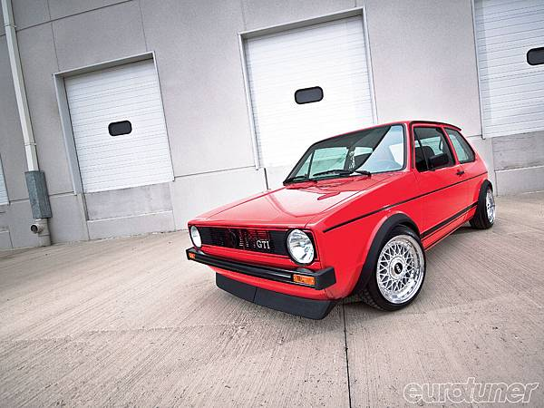 eurp_1005_03_o+1979_vw_rabbit+front_shot