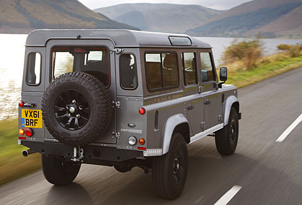 2012-land-rover-defender-590x400p