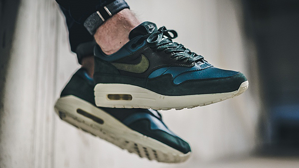 NikeLAB-Air-Max-1-Pinnacle-Jade-Khaki-03-1