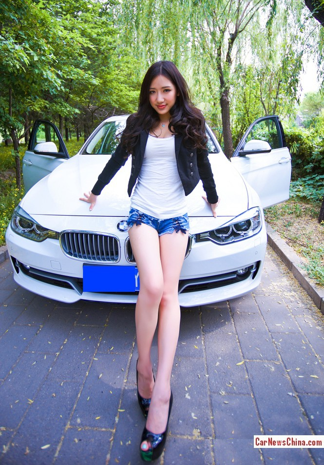 china-girl-bmw-320-2