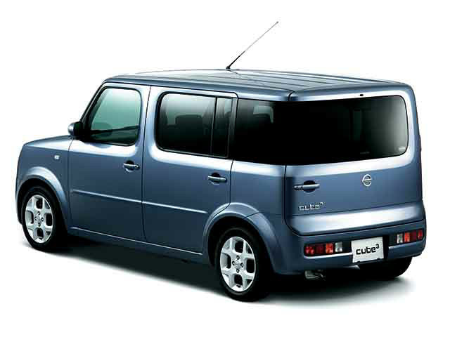 nissan-cube-front-right
