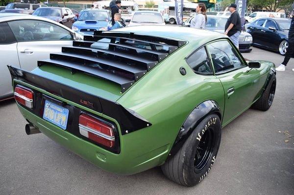 rear louver 240z