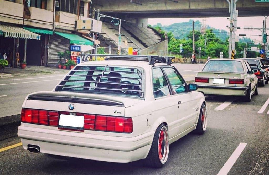 rear E30 louver