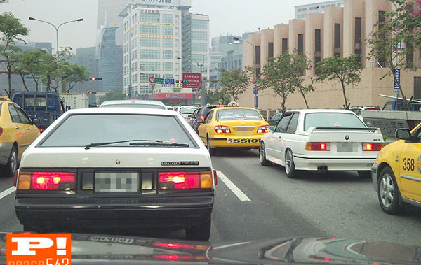 BMW E30 M3 vs Toyota Celica